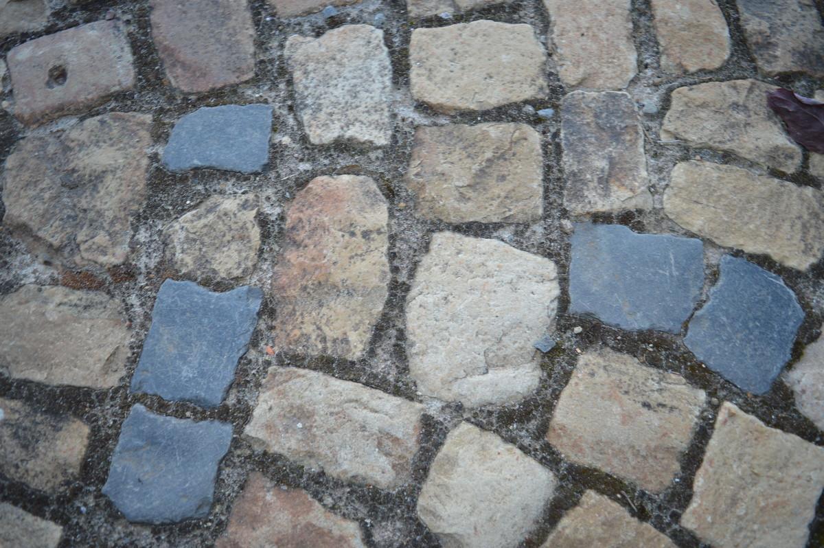Landschaftsbau Pflaster Pflastersteine Sandsteinpflaster Weg Hellgelb
